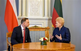 Reduction of gas has been used as weapon against Ukraine: Polish president