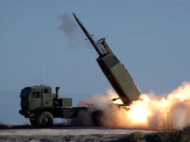 Высокамабільная ракетна-артылерыйская сыстэма апэратыўна-тактычнага прызначэньня Хаймарс.