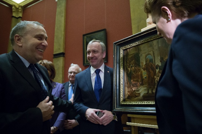 The foreign ministry led by Grzegorz Schetyna (L) was instrumental in repatriating the painting. Photo: Foreign Ministry/ Michał Jasiulewicz