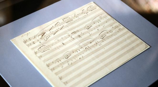 Prezentacja nowo zakupionego rękopisu Ballady g-moll Fryderyka Chopina na konferencji prasowej w 207. rocznicę urodzin kompozytora w Muzeum Fryderyka Chopina w Warszawie