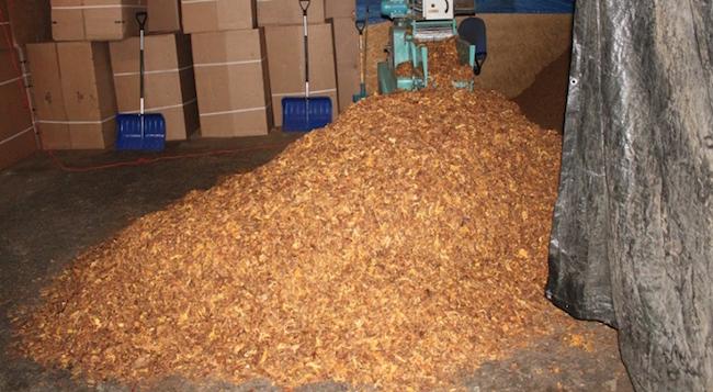 Нелегальная фабрика сигарет