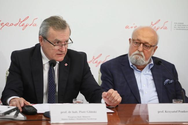 Віце-прем'єр, міністр культури і національної спадщини Польщі Пйотр Ґлінський (ліворуч) і композитор Кшиштоф Пендерецький (праворуч)