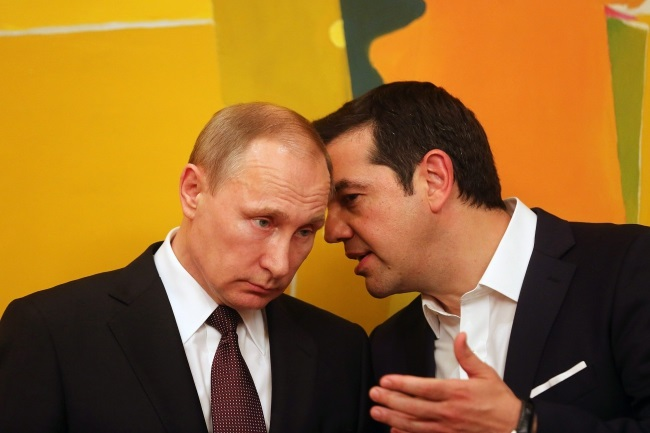 Russian President Vladimir Putin with Greek Prime Minister Alexis Tsipras. Photo: EPA/ORESTIS PANAGIOTOU/POOL