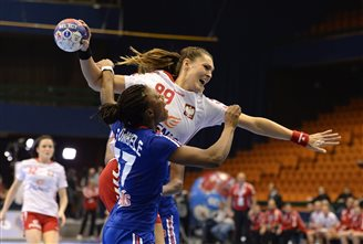 Poland power into semis of Women