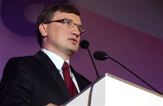 Polish minister hits out at 'aggressive' German politicians