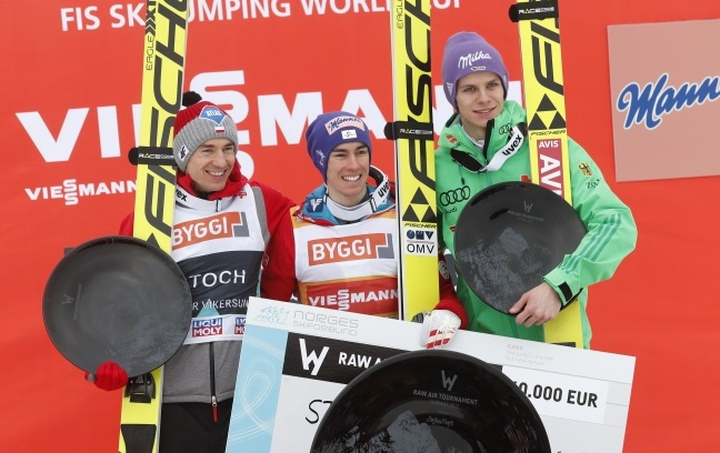 Kamil Stoch (left), Stefan Kraft (centre) and Andreas Wellinger (right) on the podium in Vikersund. Photo: EPA/TERJE BENDIKSBY