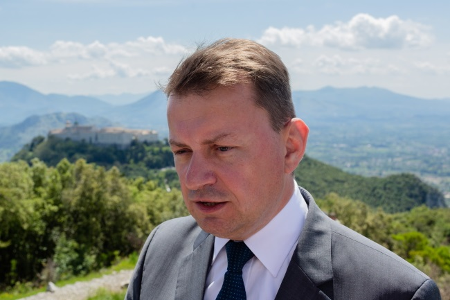 Polish Defence Minister Mariusz Błaszczak during ceremonies marking 74 years since the hard-won 1944 Battle of Monte Cassino, in Italy on Friday. Photo: PAP/Adam Guz