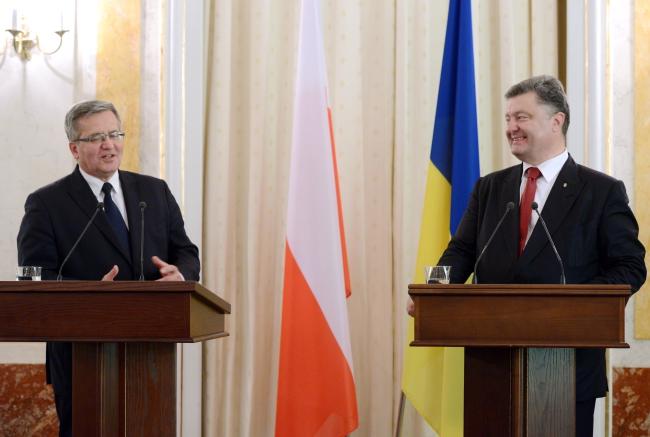 Presidents Komorowski (L) and Poroshenko (R) held a press conference in Lviv on Thursday. Photo: PAP/Jacek Turczyk