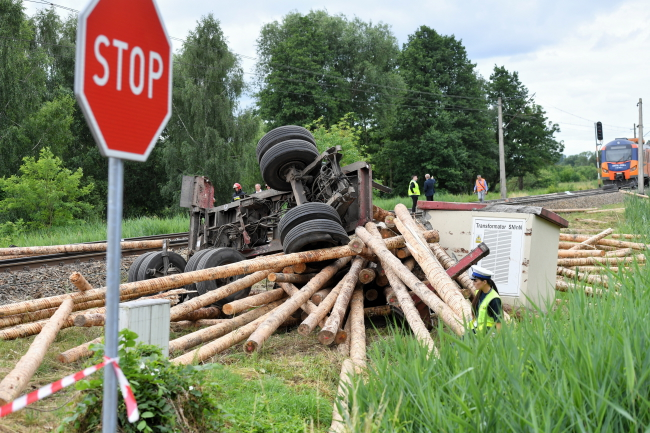 Scene of the crash near Gryfino, north-west Poland. Photo: PAP/Marcin Bielecki