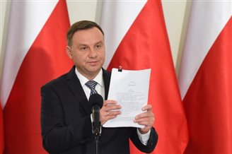 Polish president urges constitutional change amid plans for legal reform