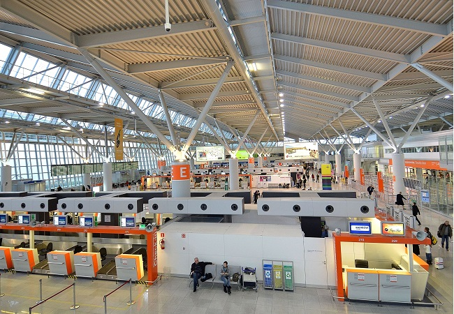 Terminal A at Warsaw Chopin Airport. Photo: Adrian Grycuk/Wikimedia Commons (CC BY-SA 3.0 pl)
