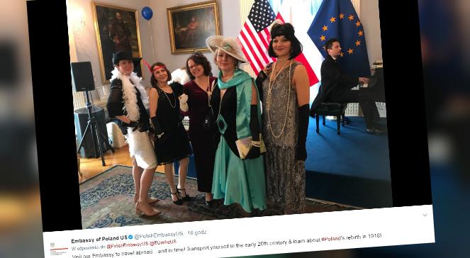 Pracownicy ambasady Polski w Waszyngtonie podczas dnia otwartego placówki
