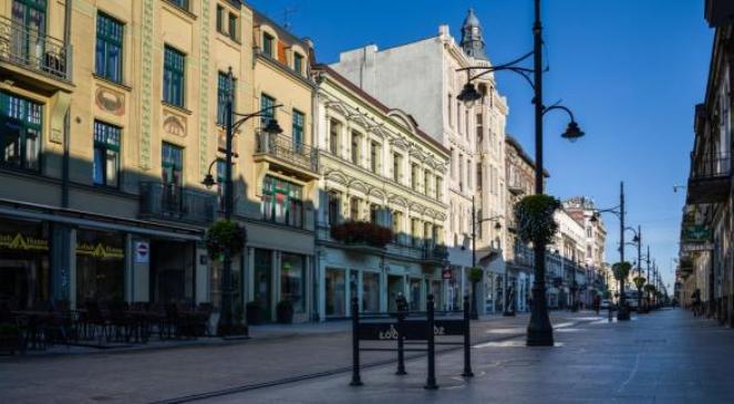 Die Ulica Piotrkowska (Petrikauer Straße) ist eine Straße in Łódź, und mit über vier Kilometern Länge eine der längsten Einkaufsstraßen Europas.