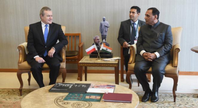 Spotkanie ministra kultury i dziedzictwa narodowego Piotra Glińskiego z premierem rządu stanowego regionu Gudźarat Vijayem Rupanim