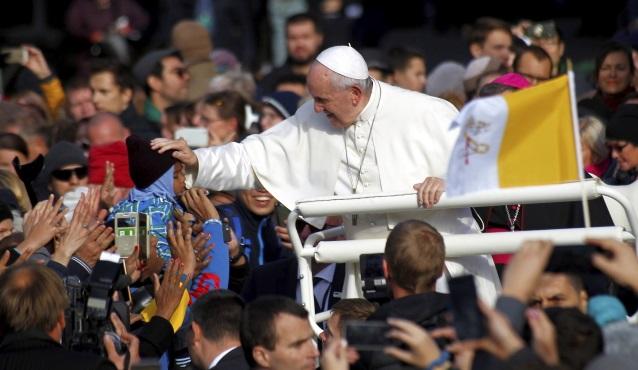 Папа Франциск прибыл на Святую Мессу в Таллинне