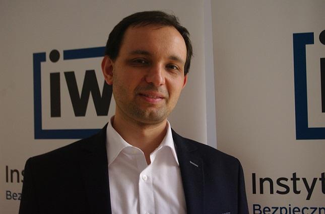 Patryk Szostak, Institut der Freiheit (Instytut Wolności)