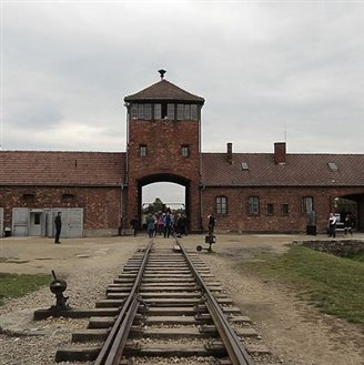 Auschwitz exhibition to tour Europe and USA