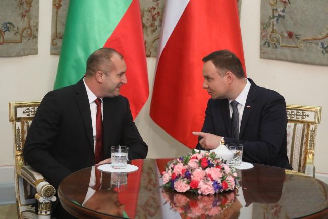 Президент Болгарии Румен Радев (слева) и президент Польши Анджей Дуда.