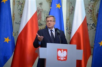 Komorowski ratifies EU-Ukraine agreement