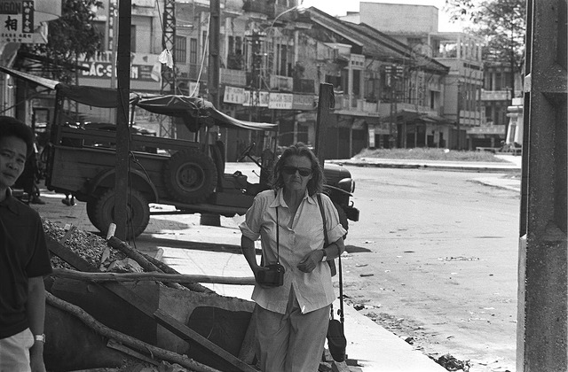 Clare Hollingworth in Vietnam in June 1968. Photo: Flickr/manhhai.