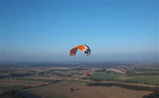 Polish paraglider freed by Belarusian authorities