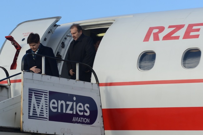 Polish PM Beata Szydło (left) arriving in Budapest. Photo: PAP/Jakub Kamiński