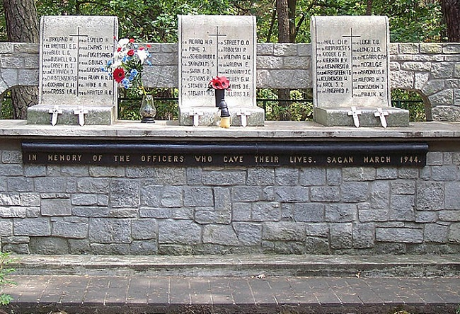 "Memorial to Allied POWs executed after the 1944 ""Great Escape"" from the Nazi German Stalag Luft III camp. Photo: CSvBibra [Public domain], via Wikimedia Commons"