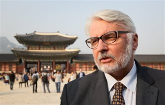 Polish FM discusses business prospects in Seoul