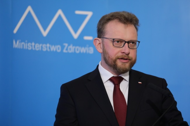Health Minister Łukasz Szumowski gives a news conference in Warsaw on Thursday after reaching an agreement with resident doctors. Photo: PAP/Tomasz Gzell
