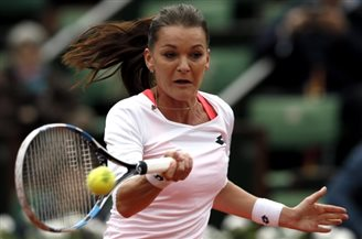 Poland's Radwańska off to strong start in French Open