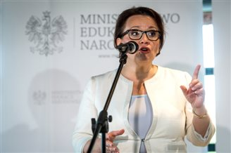 Poland announces school reforms