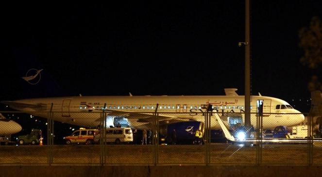 Przechwycony syryjski samolot na lotnisku w Ankarze