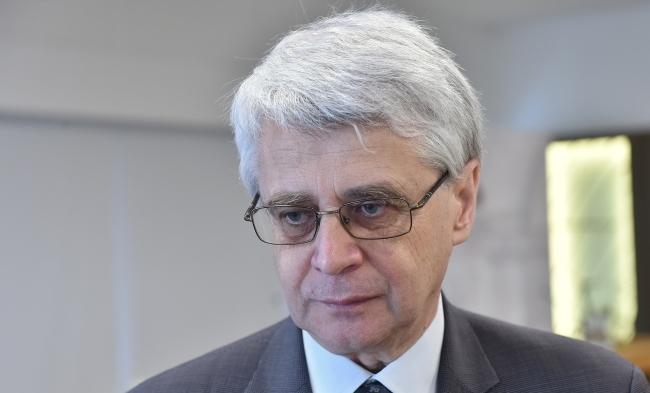 проф. Яцек Пурхля