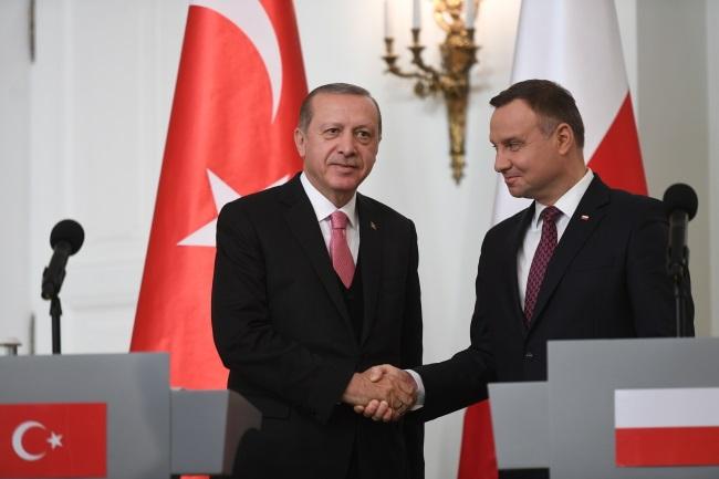 Recep Tayyip Erdogan trifft sich mit Andrzej Duda in Warschau.