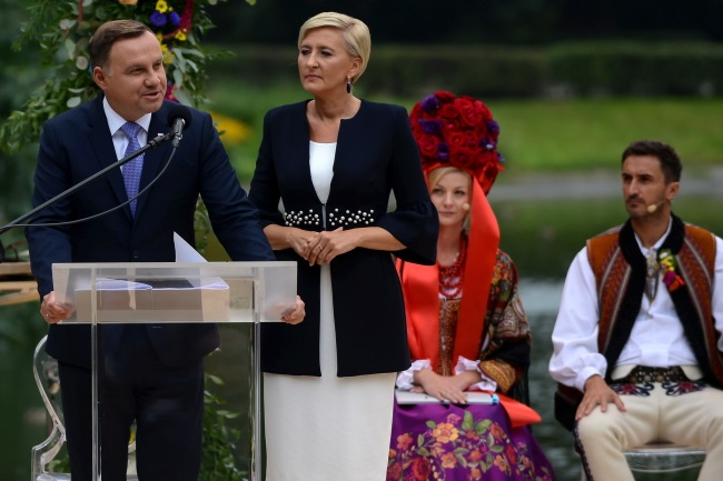 President Andrzej Duda (left) and his wife Agata during National Reading Day. Photo: PAP/Jakub Kamiński