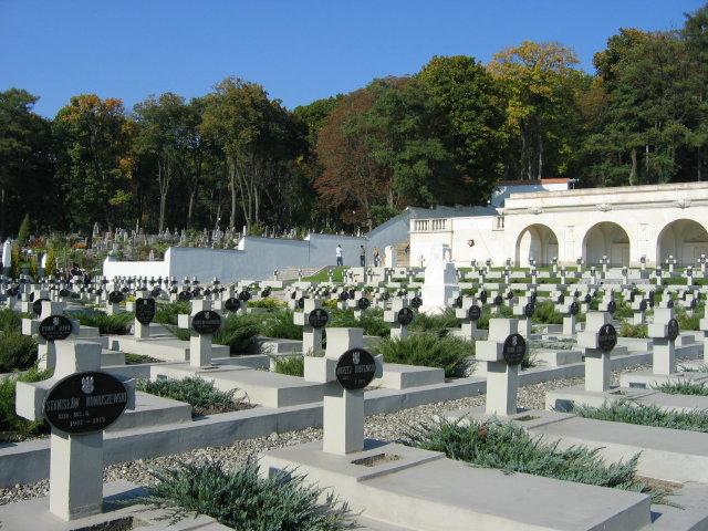 Мемориал Львовским Орлятам на Лычаковском кладбище