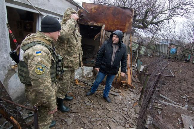 Украінскія ваеннаслужачыя на Данбасе, люты 2017 году