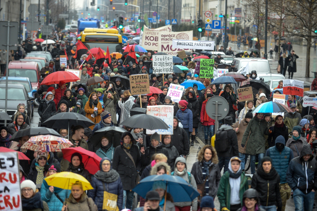 Pro-abortion march in Warsaw. Photo: PAP/Marcin Obara