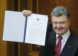 EU and Ukraine ratify key treaty