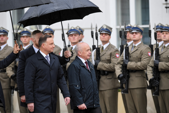 Прэзыдэнт Швэйцарыі Ўлі Маўрэр знаходзіцца з афіцыйным візытам у Варшаве.
