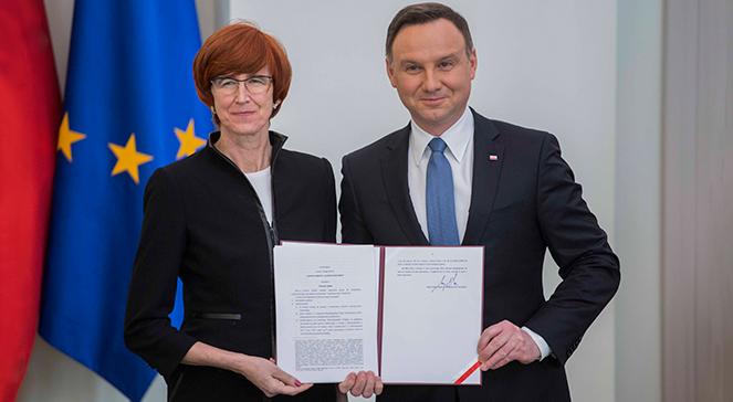 Prezydent Andrzej Duda i Elżbieta Rafalska, minister rodziny, pracy i polityki społecznej. Zdjęcie ilustracyjne