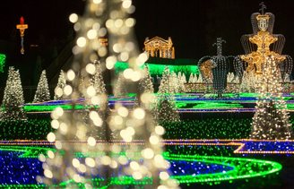 Feast of lights at Warsaw's historic royal gardens