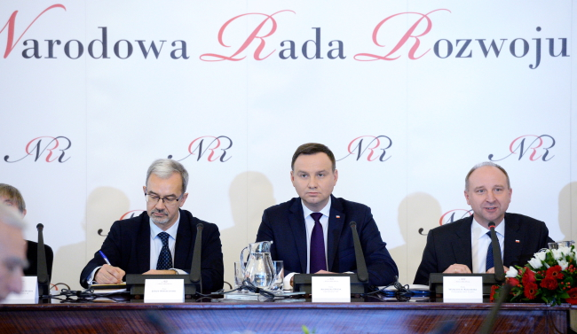 President Andrzej Duda (C) at Friday's meeting of the National Development Council. Photo: PAP/Jacek Turczyk