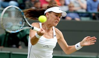 Resolute Radwańska advances to Wimbledon semis