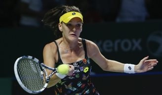 Radwanska crushed in WTA Finals semi