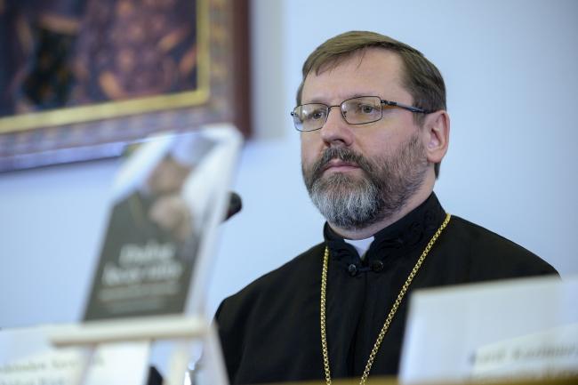 Архієпископ Святослав Шевчук під час преентації книжки «Діалог гоїть рани». Варшава, 15 березня 2018.
