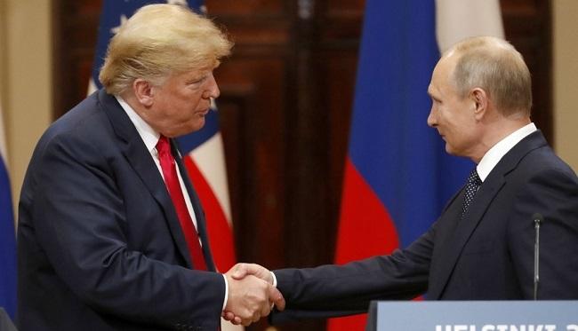 Дональд Трамп и Владимир Путин во время встречи в Хельсинках (16 июля 2018)