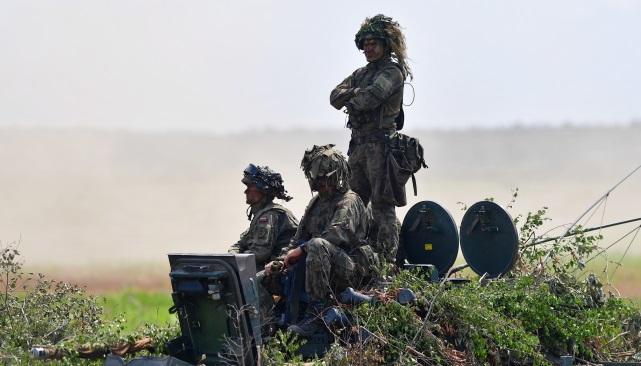 Военные учения Dragon-19 на полигоне в Олешно