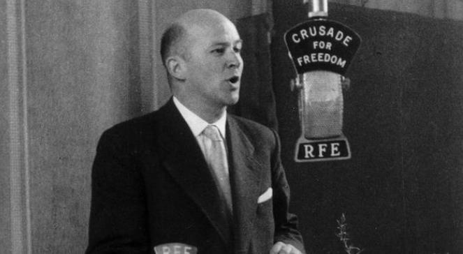 Ян Новак-Єзьоранський під час виступу на радіо Вільна Європа у 1957 році