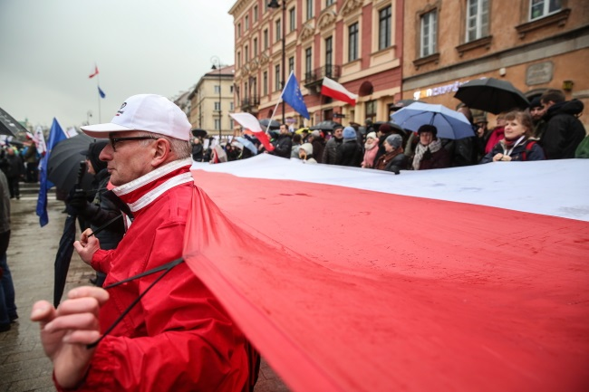 Polish court approves bill that could aid crackdown on unwanted protests